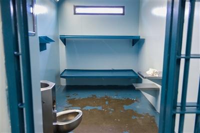 Sarasota County Jail Tour | Photo Galleries